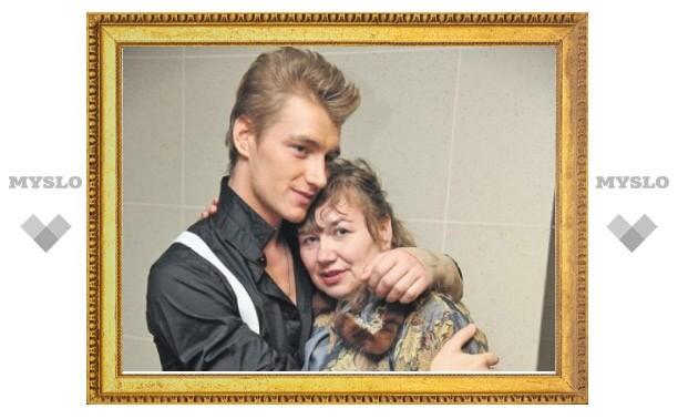 Мама парализованного после ДТП Алексея Воробьева собирается к нему в США