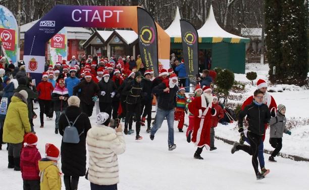 В Туле состоялся забег Дедов Морозов: фоторепортаж