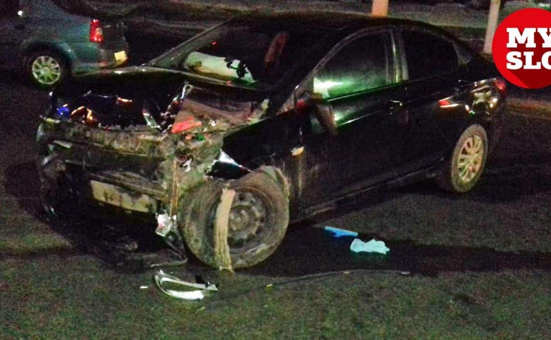 В Туле на ул. Ложевой Hyundai врезался в ограждение возле мойки