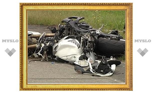 Под Тулой мотоцикл вылетел в кювет