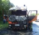 На трассе М2 сгорел КамАЗ