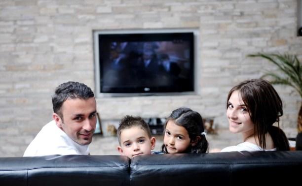 Как смотреть лицензионные фильмы, не выходя из дома с «Ростелеком»