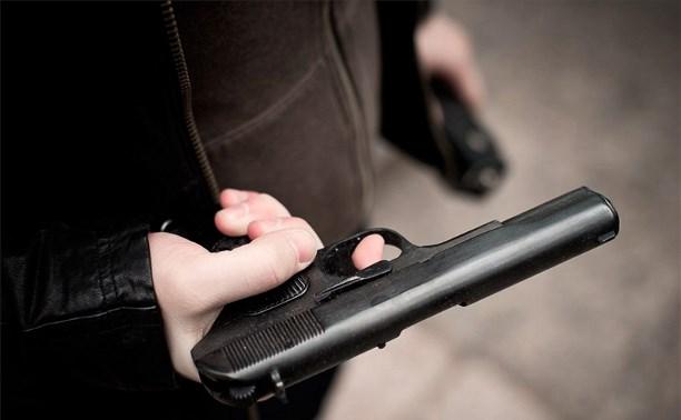 Житель Узловой выстрелил в живот посетителю кафе