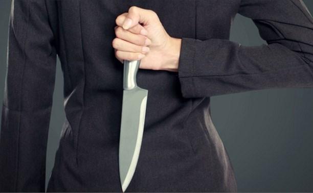 Жительницу Новомосковска приговорили к 2,5 годам за попытку зарезать мужа