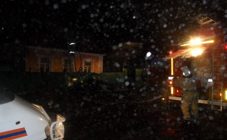 В Туле загорелся дом