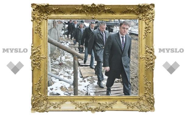 Губернатор Владимир Груздев: «Не будете делать дороги, мы вас за Можай загоним»