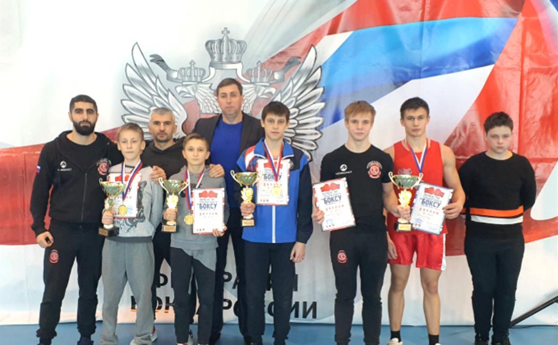 В Узловой состоялись три региональных турнира по боксу