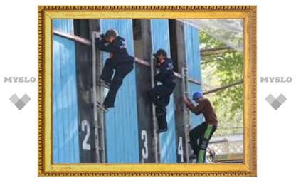 В Туле соревнуются юные пожарные