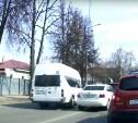 В Туле водитель маршрутки проехал перекресток по встречной полосе на красный свет
