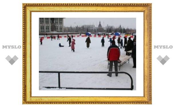 С площади Ленина убрали каток (ФОТО)