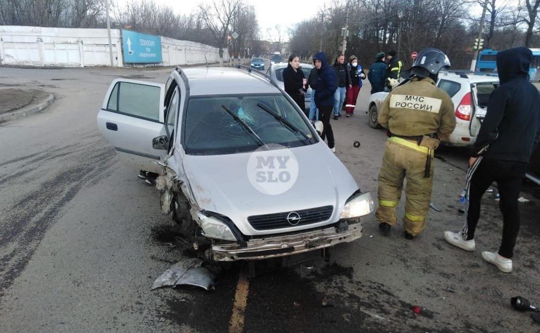 В Туле в ДТП на Щегловской Засеке пострадали два человека