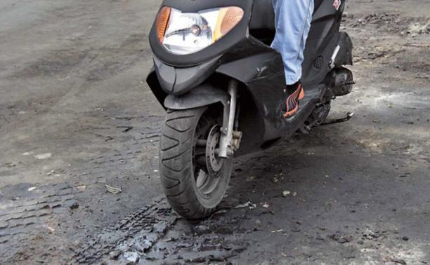 В Тульской области на скутере разбились три подростка