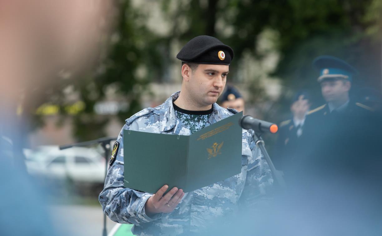 Судебные приставы приняли присягу на площади Победы в Туле. Фоторепортаж Myslo