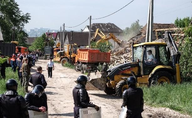 В Туле в Плеханово вновь сносят незаконные цыганские дома