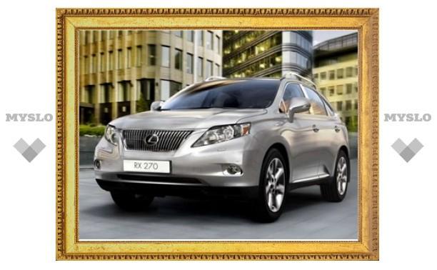 В России начались продажи самого доступного кроссовера Lexus