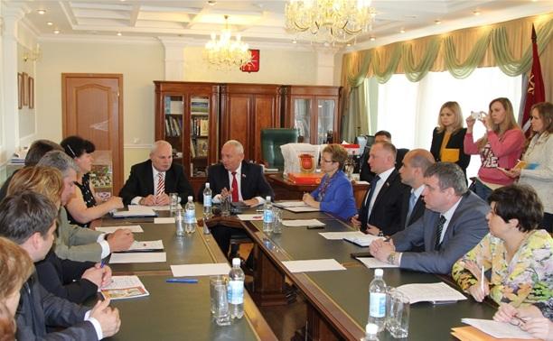 Мэр Керчи пригласил туляков посетить черноморский курорт