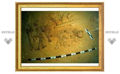Из подводной пещеры в Мексике подняли скелет древнего человека