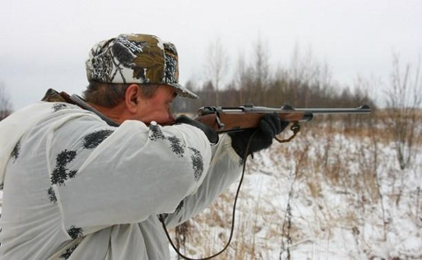 Пьяный житель Суворовского района расстреливал двери магазинов из охотничьего ружья