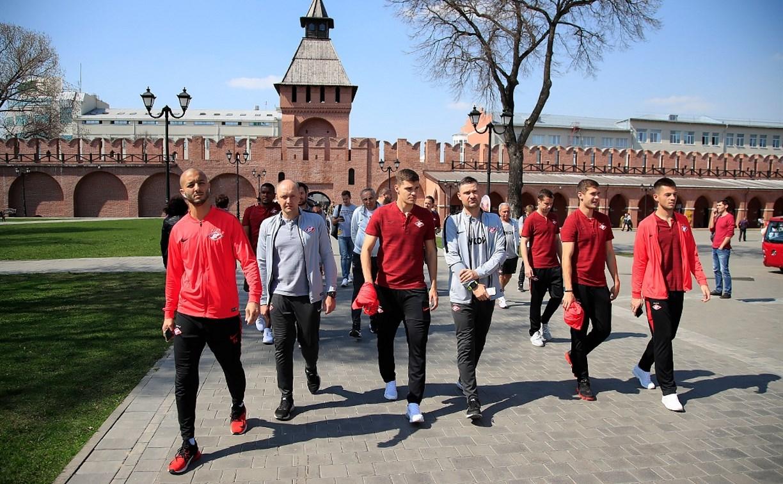Футболисты «Спартака» прогулялись по центру Тулы