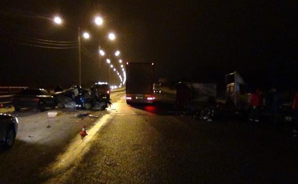 На трассе М2 «Крым» иномарка протаранила ГАЗ