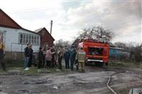 На Калужском шоссе загорелся жилой дом, Фото: 19