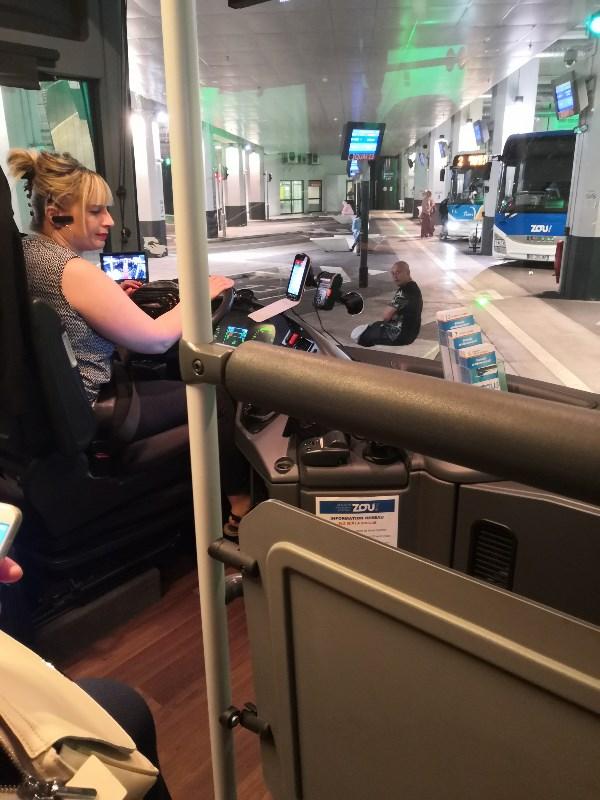 В Провансе много мадам за рулём автобуса