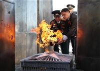 В поселке Первомайский зажгли Вечный огонь, Фото: 2