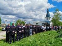 Жуткое ДТП в Суворове: проститься с погибшим полицейским пришли сотни человек, Фото: 18