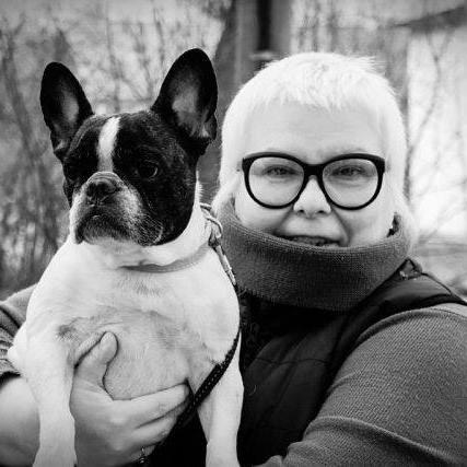 С самой лучше на свете собакой Цориной Сорри, в домашнем обиходе - Цилей, Цилиндрой, Птичкой, Масичкой.