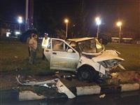На ул. Короленко ВАЗ-21010 врезался в столб, Фото: 2
