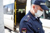 Полицейский рейд в тульских маршрутках: на пассажиров без масок составляют протоколы, Фото: 18