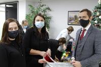 Депутаты Тульской облдумы подарили пациентам областной детской больницы новогодние подарки, Фото: 14