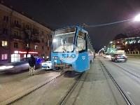 В Туле у трамвая отвалилось колесо и в него врезалась легковушка, Фото: 10