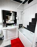 Черно-белая ванная.  После перепланировки  она стала больше на пару «квадратов»., Фото: 8