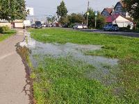 В Пролетарском районе Тулы затопило улицы и дворы: вода хлещет из колодцев, Фото: 15