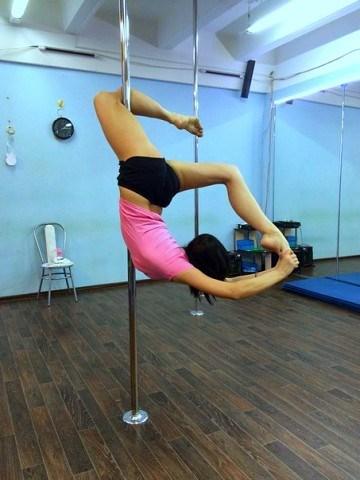 poledance (акробатика на пилоне)