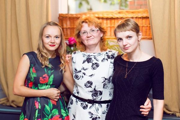 """не претендую на """"маму года""""  я просто мама 2х дочерей-красавиц! Можно не голосовать"""