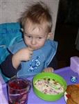 """Ванюшка Лавров, ест кашу приготовленную на молоке ТМК """"Бежин луг"""". Фото himera2102, Фото: 24"""