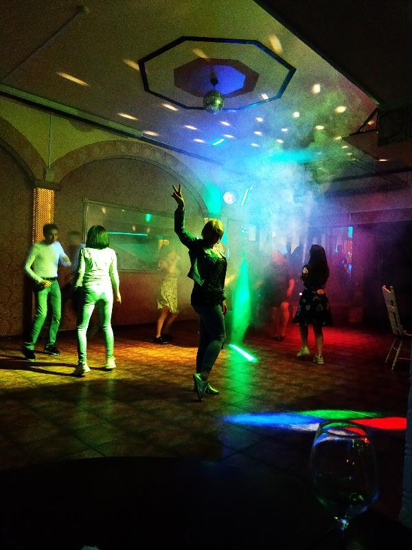 Найдите для себя время. Потанцуйте. Это так оживляет, вдохновляет и захватывает! Когда ты танцуешь — ты живёшь!