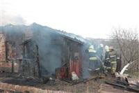 На Калужском шоссе загорелся жилой дом, Фото: 24