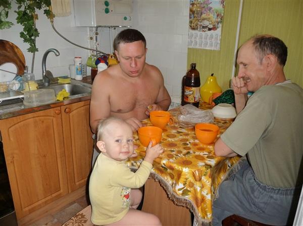 ))) Два отца, два сына...