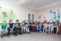 Пациенты Детской областной больницы получили в подарок «пряничного война», Фото: 5
