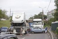 В Туле на Калужском шоссе столкнулись фура и легковушка, Фото: 7