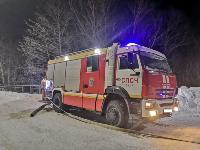 Крупный пожар в Ленинском: загорелся склад на заводе битумных изделий, Фото: 3