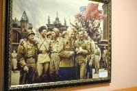 Холлы и коридоры учебного корпуса украшают картины патриотической направленности, Фото: 4