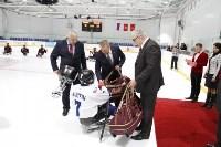 Председатель правительства Тульской области Юрий Андрианов вручил санки следж-хоккеистам региона, Фото: 7