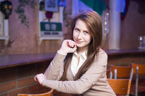 Ксения Петрущенкова, 17 лет, школа №33. Больше всего в жизни любит английсский язык и фитнес. Танцует, рисует акварелью и печет вкуснейшие торты.