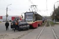 В Криволучье трамвай протаранил легковушку, Фото: 5
