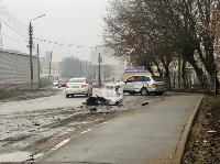 В Туле автобус с рабочими протаранил два авто и врезался в забор, Фото: 1