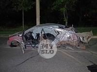 Крупное ДТП на ул. Металлургов в Туле: Nissan снес столб, пассажирку вышвырнуло из машины, Фото: 2